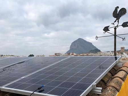Instalación de placas solares en vivienda particular